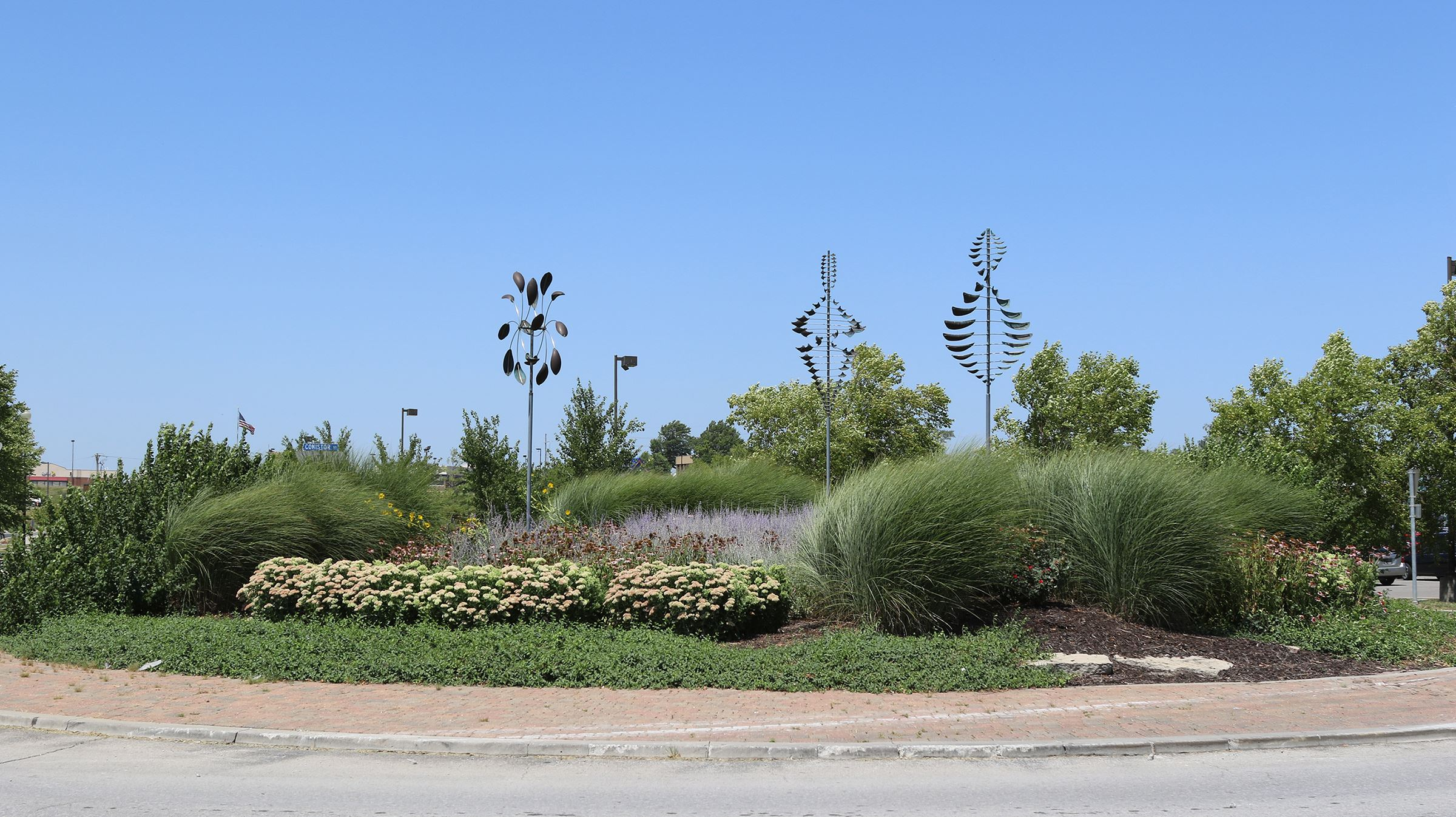 Landscaping in a Triangle roundabout